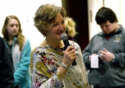 Artists' exhibit opens at Lakeland